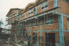 1996-03-23 Einrüsten zum Außenputz