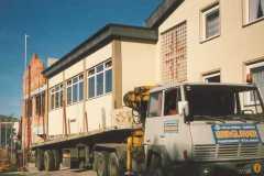 1987 Lieferung der Leimbinder