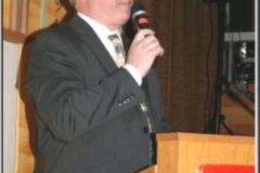 2009-12-12 Obmann DI Herbert Heitzinger bei der Begrüßung
