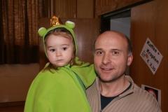 2010-02-06 Schio mit seinem kleinen Laubfrosch