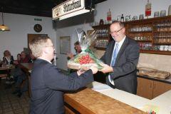 2010-03-25 Eine Brettljause für unser neues Ehrenmitglied Gerald Stutz
