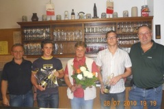 2010-07-28 Auch Jürgen Ruttinger bekam ein kleines Geschenk