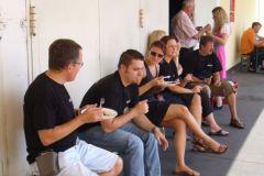 2010-08-21 Inzwischen verköstigt uns Würzl Poldi