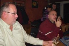 2010-11-29 Auch der Obmann hat Zeit für eine Ente.......