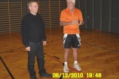 2010-12-04 Auch Obmann Stv Hans Leeb spricht einige Worte