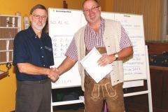 2010-12-04 Der Obmann gratuliert