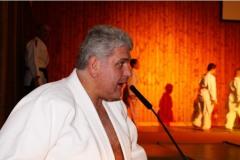 2010-12-04 Judochef persönlich erklärt die Vorführungen