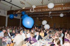 2011-05-14 Blaue und weiße Luftballons