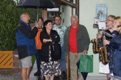 2011-05-27 Begeisterte Zuhörer - trotz strömendem Regen