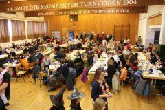 2012-02-04 Der Saal ist gerammelt voll