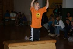 2012-06-06 Leonie beim Mutsprung