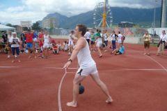 2012-07-10 Turnfestwettkämpfer Jürgen beim Schleuderball
