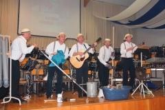 2013-04-30 Die Se Oritschinel Goatnzauns spielen auf