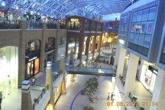 2013-08-01 Auch moderne Shoppingcenter gibt es hier