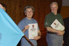 2013-12-07 Die fleißigsten Jahnwanderer erhalten das neue Jahnwanderbuch