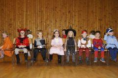 2014-02-01 Die Kleinen beim Sesselspiel