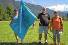2014-08-12 Obmann mit den Turnwarten und der Jahnwanderfahne