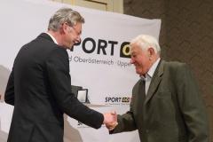 2015-06-29 Übergabe durch Landessportreferent LR Dr. Michael Strugl