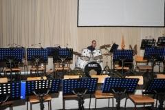 2016-04-30 Schlagzeuger Florian wartet auf die Spielleute