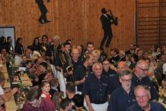 2016-04-30 Die Spielleute marschieren in den Saal