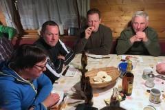 2017-01-08 Aufwärmen in der Hütte