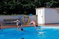 2017-07-15 Auch Schwimmen gehört zum Wettkampf