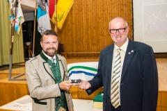 2020-09-25 Silberne Ehrennadel des Bundesspielmannswesens von ÖTB-Bundesgeschäftsführer Peter Hametner