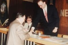 1994-04-08 Amtsübergabe vom Altobmann