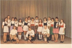 1973 Gruppenbild Volkstanzgruppe